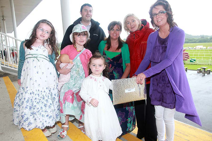 "FREE PICTURE - NO REPRODUCTION FEEPictured at Cork Racecourse on Bank Holiday Monday are Aisling, Kayleigh, Colm, Nadine and Grace O'Sullivan from Ballyvolane, who were awarded the accolade of ""Most Stylish Family"" sponsored by Market Square Mallow. They walked away with €500 worth of prizes from the great selection of retailers at Market Square. Presenting prize are Mary Kelly, Sales Manager, Cork Race Course and Susan Carey, Swear by Fashion, Market Square.Pic: Miki Barlok"